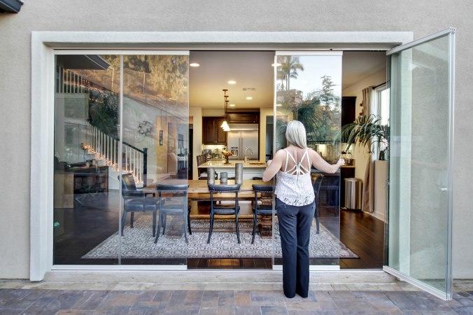 Frameless Folding Doors, Folding Patio Door, Glass Wall,