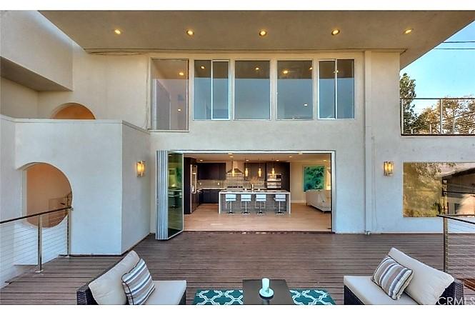 Exterior-Folding-Patio-Doors