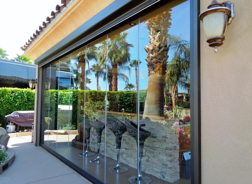 Frameless-Folding-Doors-Palm-Springs
