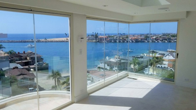 Folding-Patio-Doors-Corona-Del-Mar